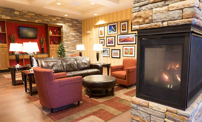 Drury Inn & Suites Happy Valley - Lobby