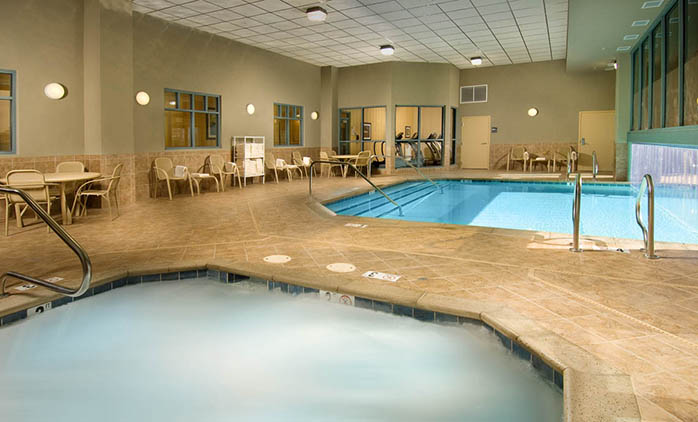 Drury Inn & Suites Happy Valley - Indoor/Outdoor Pool