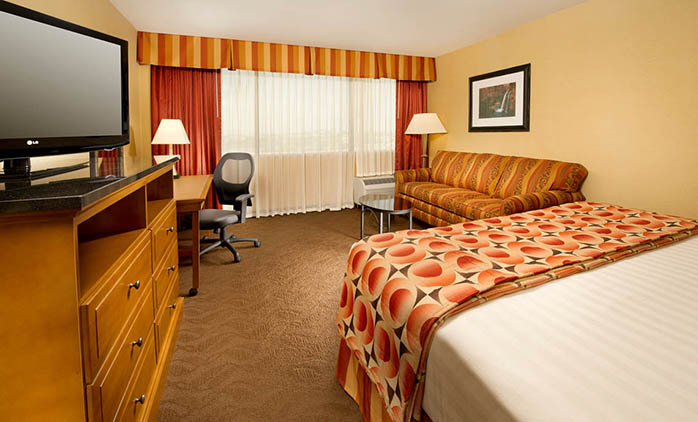 Drury Inn & Suites Phoenix Airport - Deluxe King Room