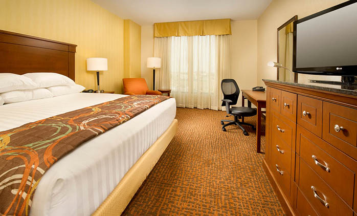 Drury Inn & Suites Denver Westminster - Deluxe King Room