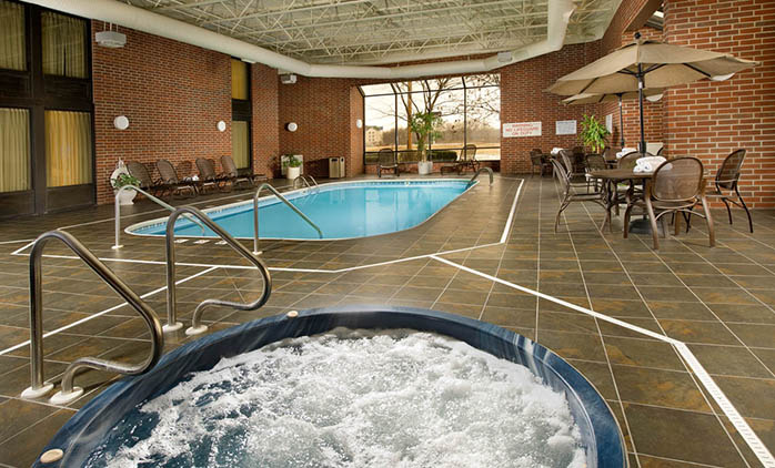 Drury Inn & Suites Springfield - Indoor Pool