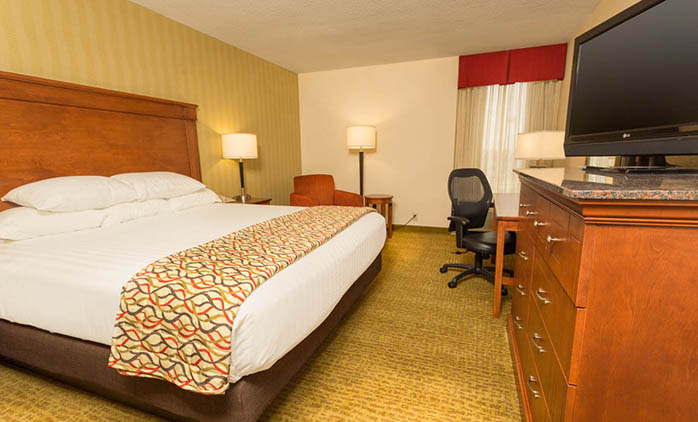 Drury Inn & Suites Marion - Deluxe King Room