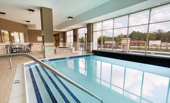 Drury Inn & Suites Mt. Vernon - Indoor/Outdoor Pool