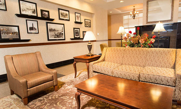 Drury Inn & Suites Northeast Indianapolis - Lobby