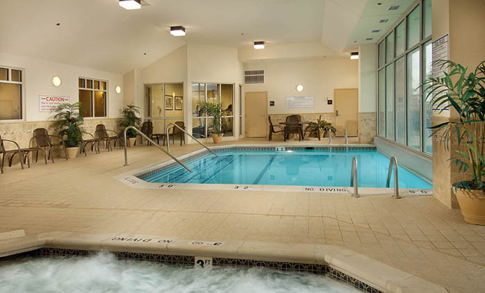 Drury Inn & Suites Northeast Indianapolis - Indoor/Outdoor Pool
