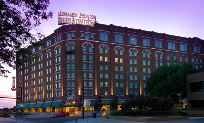 Drury Plaza Hotel Broadview Wichita Exterior
