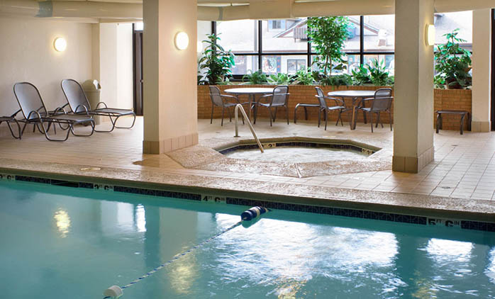 Drury Inn & Suites Frankenmuth - Indoor Pool
