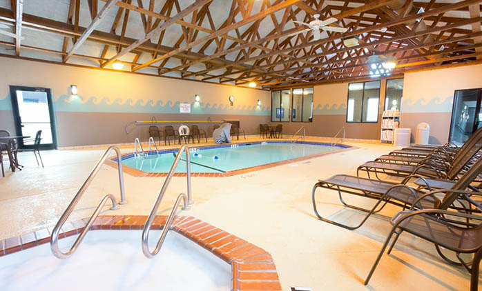 Drury Inn & Suites Jackson - Indoor Pool