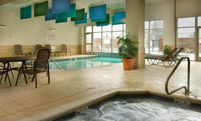 Drury Inn & Suites St. Louis near Forest Park - Indoor/Outdoor Pool