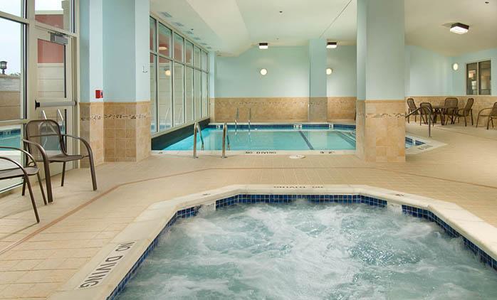 Drury Inn & Suites Independence - Indoor/Outdoor Pool
