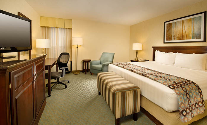 Drury Inn & Suites Jackson - Deluxe King Room