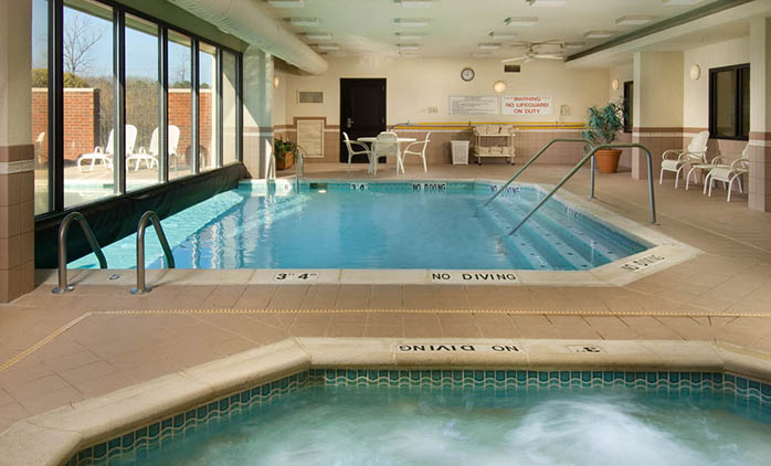 Drury Inn & Suites Jackson - Indoor/Outdoor Pool