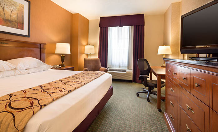 Drury Inn & Suites Meridian - Deluxe King Room