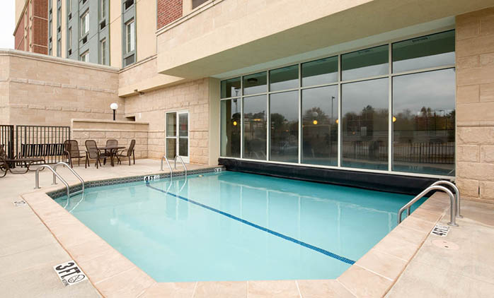 Drury Inn & Suites Meridian - Indoor/Outdoor Pool