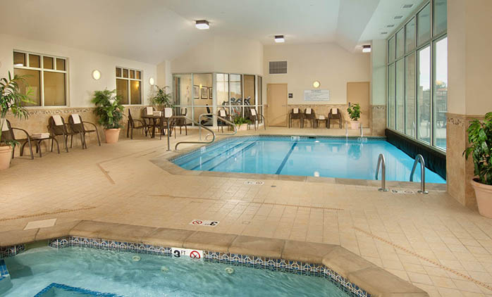 Drury Inn & Suites Findlay - Indoor/Outdoor Pool