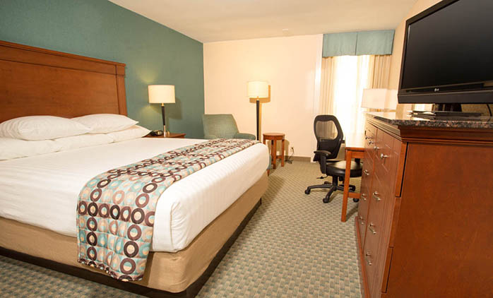 Drury Inn & Suites Houston Hobby - Deluxe King Room