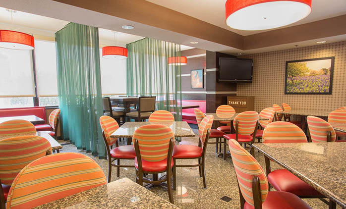 Drury Inn & Suites Houston Sugar Land - Dining Area