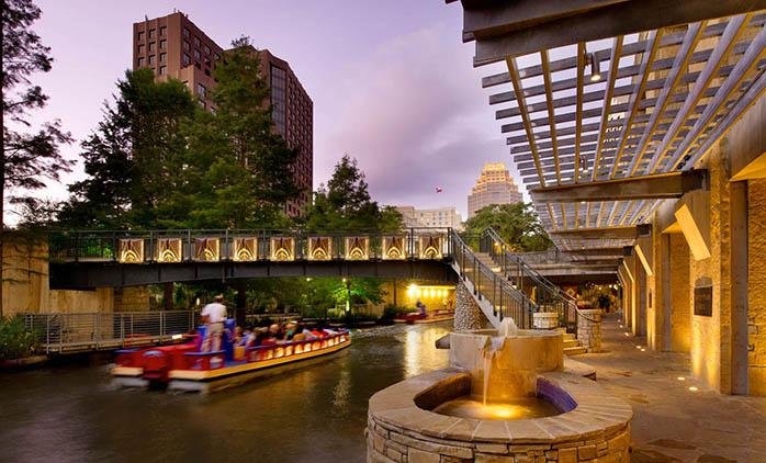 Drury Plaza Hotel Riverwalk San Antonio - Hotel Exterior