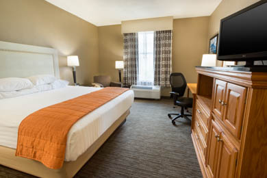 Drury Inn & Suites Lafayette - Deluxe King Room