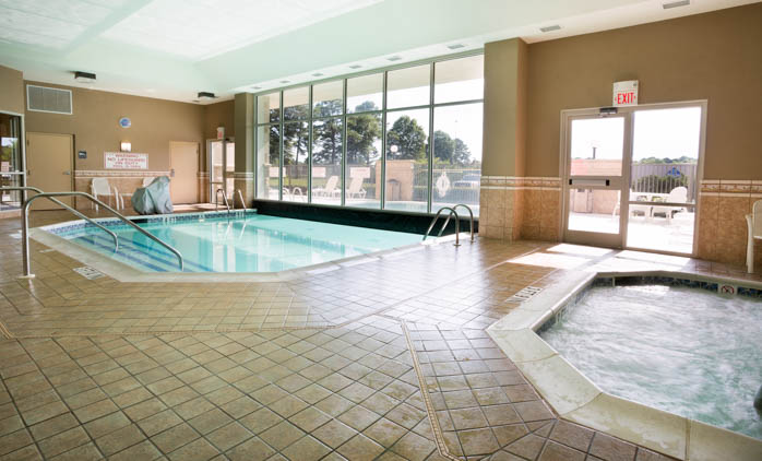Drury Inn & Suites Montgomery - Swimming Pool