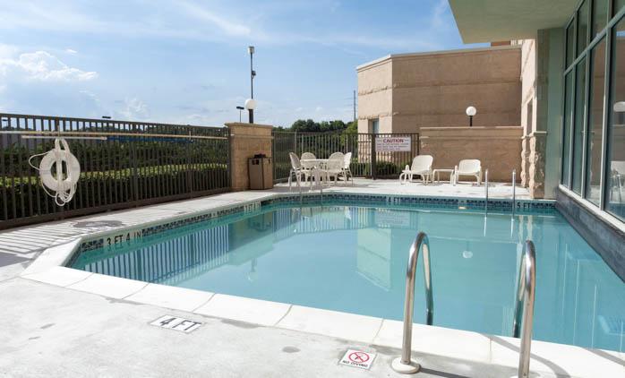 Drury Inn & Suites Montgomery - Swimming Pool