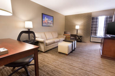 Drury Inn & Suites Greensboro - Suite