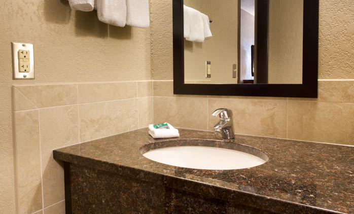 Drury Suites McAllen - Bathroom