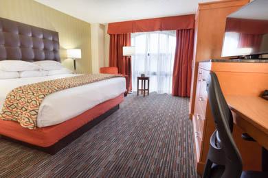Drury Inn St. Louis Union Station - Deluxe King Guestroom