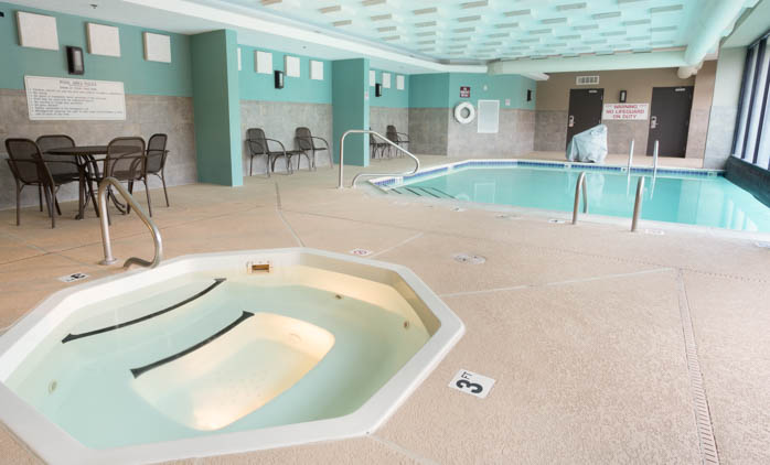Drury Inn & Suites Houston The Woodlands - Indoor/Outdoor Pool