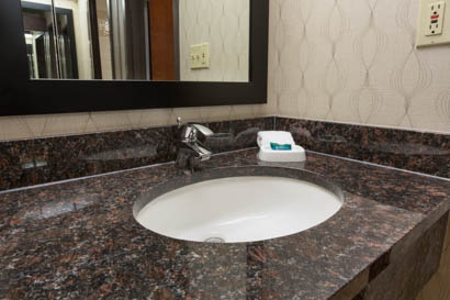 Drury Inn & Suites Houston The Woodlands - Bathroom