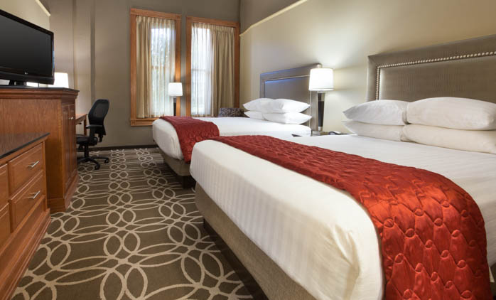 Drury Inn & Suites San Antonio Riverwalk - Deluxe Queen Guestroom