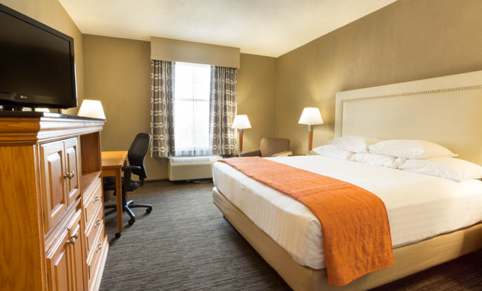 Drury Inn & Suites San Antonio North Stone Oak - Deluxe King Guestroom