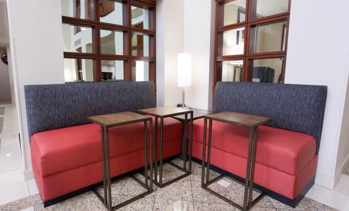 Drury Inn & Suites Joplin - Lobby