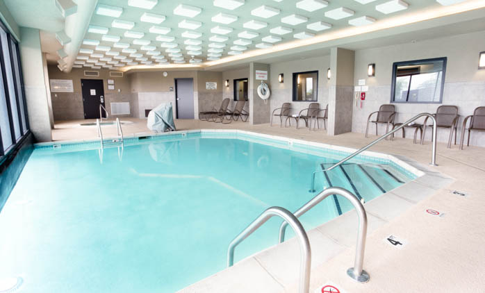 Drury Inn & Suites Kansas City Airport - Indoor/Outdoor Pool