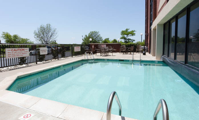 ... Pool Drury Inn U0026 Suites Kansas City Airport   Indoor/Outdoor ...