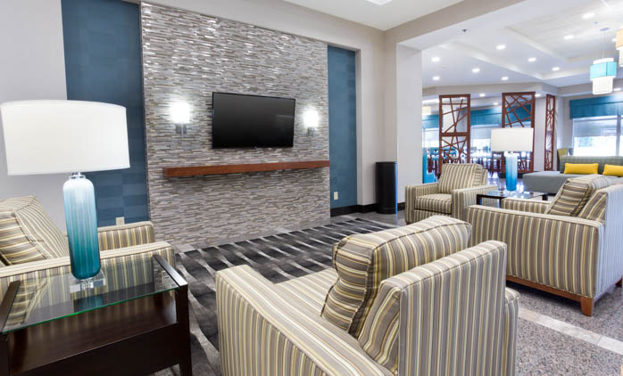 Drury Inn & Suites Burlington - Lobby