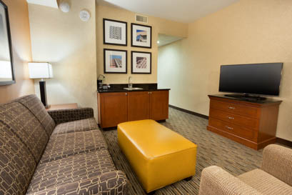 Drury Plaza Hotel Indianapolis Carmel Suite
