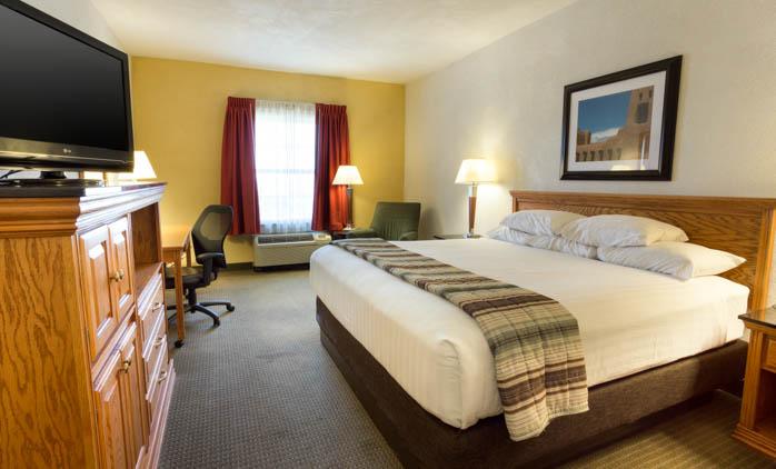 Drury Inn & Suites - Albuquerque - Deluxe King Guestroom