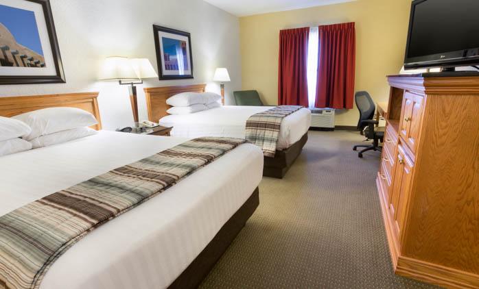 Drury Inn & Suites - Albuquerque - Deluxe Queen Guestroom