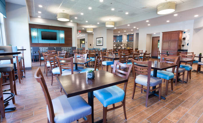 Drury Inn & Suites - Grand Rapids - Dining Area