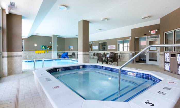 Drury Inn & Suites - Grand Rapids - Indoor/Outdoor Pool
