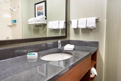 Drury Inn & Suites - Grand Rapids - Bathroom