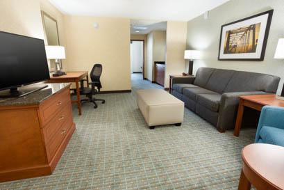 Drury Inn & Suites - Grand Rapids - Two-room Suite Guestroom