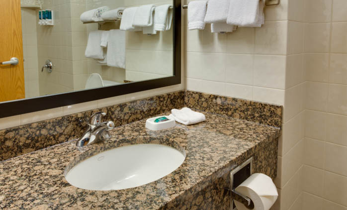 Drury Inn & Suites Amarillo - Guest Bathroom