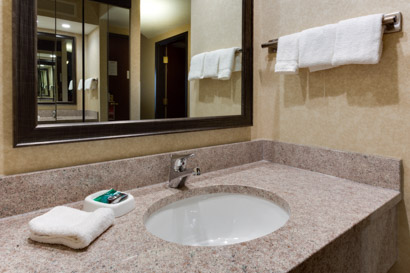 Drury Inn & Suites Birmingham Grandview - Bath
