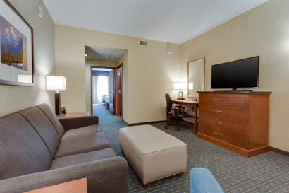 Drury Inn & Suites - Phoenix Chandler - Two-room Suite Guestroom
