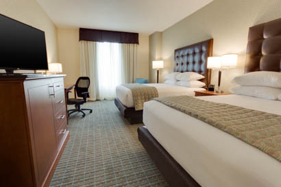 Drury Inn & Suites - Phoenix Chandler - Deluxe Queen Guestroom