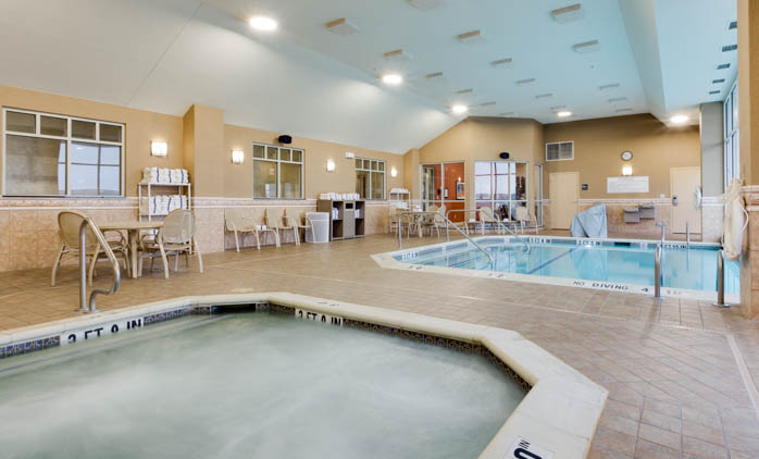 Drury Inn & Suites - St. Louis O'Fallon - Indoor/Outdoor Pool