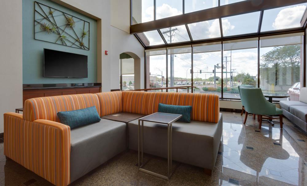 Drury Inn & Suites - Columbia Stadium Boulevard - Lobby