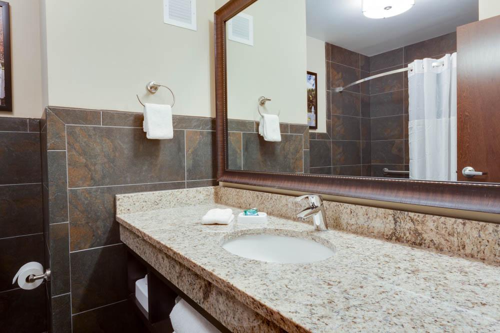 Drury Inn & Suites - Dallas Frisco - Bathroom